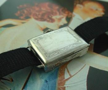 Ladies' 1918 Bedford 20k Gold & Emeralds Wrist Watch