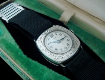Ladies' 1918 Sada Sterling Silver Watch w/Box
