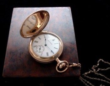 Ladies' 1905 American Waltham Pocket Watch w/ Chain