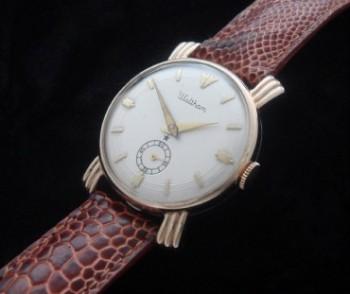Men's 1959 Waltham Watch w/ Sunburst Lugs
