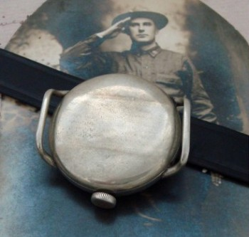 Men's 1918 Elgin Oversized Trench Watch