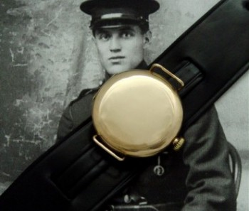Men's 1916 Waltham 9ct Gold Trench Watch